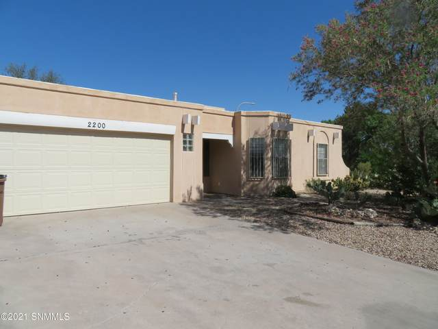 2200 Cimarron Drive, Las Cruces, NM 88011 (MLS #2101652) :: Agave Real Estate Group