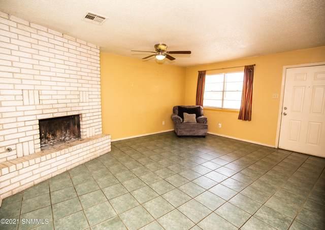 1280 La Fonda Drive, Las Cruces, NM 88001 (MLS #2101948) :: Better Homes and Gardens Real Estate - Steinborn & Associates