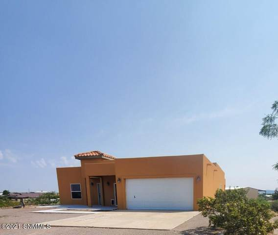 707 Erie Avenue, Elephant Butte, NM 87935 (MLS #2102410) :: Better Homes and Gardens Real Estate - Steinborn & Associates