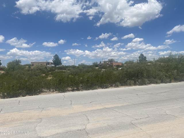 5152 Micro Road, Las Cruces, NM 88011 (MLS #2102675) :: Better Homes and Gardens Real Estate - Steinborn & Associates