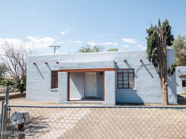 822 S Melendres Street, Las Cruces, NM 88005 (MLS #2102932) :: Better Homes and Gardens Real Estate - Steinborn & Associates