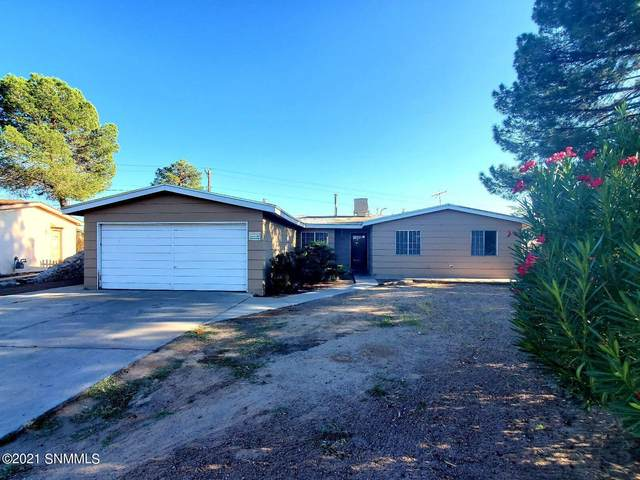 1301 Eucalyptus Drive, Las Cruces, NM 88001 (MLS #2103125) :: Better Homes and Gardens Real Estate - Steinborn & Associates