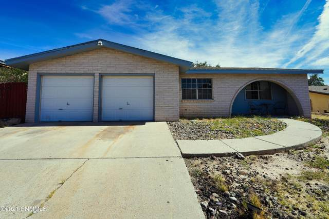 2718 Crestview Drive, Las Cruces, NM 88011 (MLS #2103165) :: Better Homes and Gardens Real Estate - Steinborn & Associates