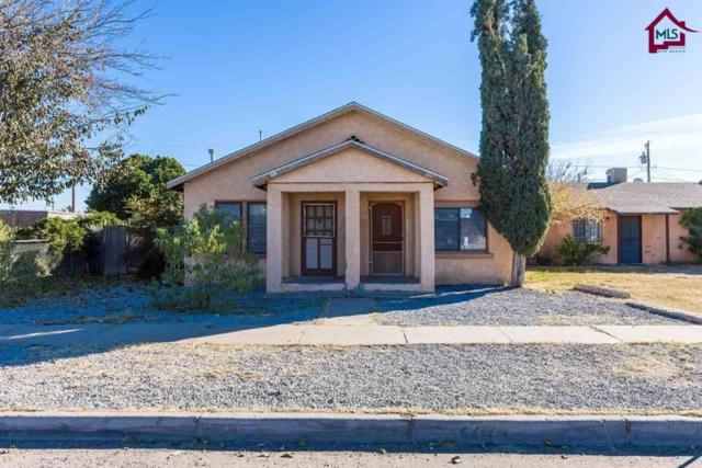 1111 Mcfie Avenue A & B, Las Cruces, NM 88005 (MLS #1703486) :: Austin Tharp Team