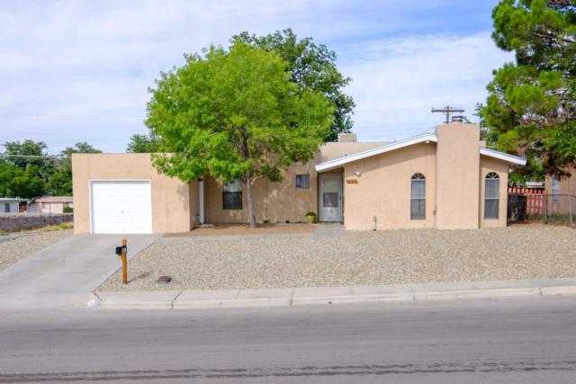 1290 La Fonda Drive, Las Cruces, NM 88001 (MLS #1902370) :: Steinborn & Associates Real Estate