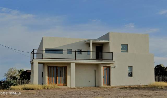 1110 N Campo Street, Las Cruces, NM 88001 (MLS #2102994) :: Agave Real Estate Group