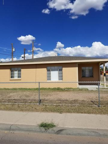 519 S Manzanita Street, Las Cruces, NM 88001 (MLS #1806776) :: Austin Tharp Team