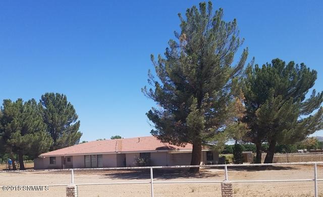 385 Fort Fillmore Road, Mesilla Park, NM 88047 (MLS #1806446) :: Austin Tharp Team