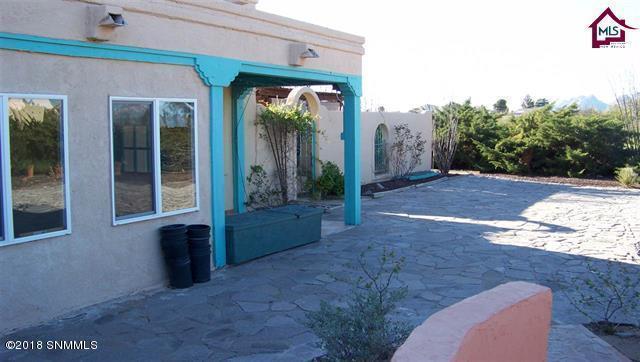 4625 Real Del Sur, Las Cruces, NM 88011 (MLS #1806679) :: Steinborn & Associates Real Estate
