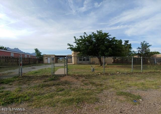 9512 Butterfield Boulevard, Las Cruces, NM 88011 (MLS #1807385) :: Austin Tharp Team