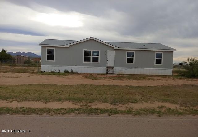 585 Fort Furlong, Las Cruces, NM 88007 (MLS #1808002) :: Austin Tharp Team