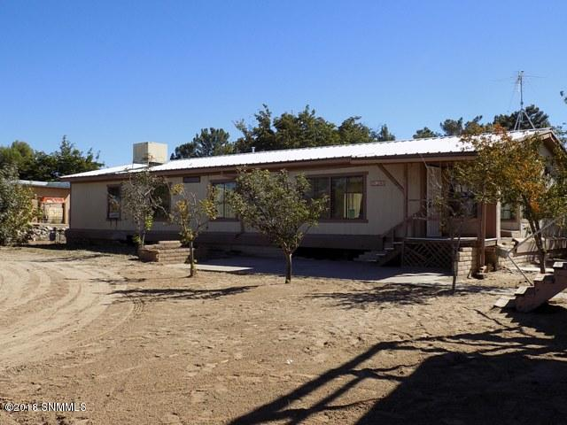 4265 Holliday Lane, Las Cruces, NM 88005 (MLS #1808275) :: Steinborn & Associates Real Estate