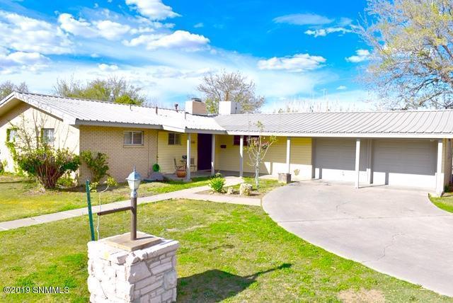 2200 Rosedale Drive, Las Cruces, NM 88005 (MLS #1901404) :: Steinborn & Associates Real Estate