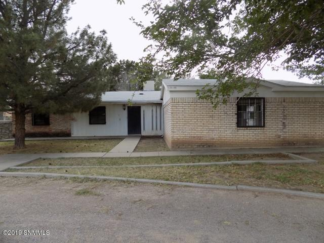 2525 N Valley Drive, Las Cruces, NM 88007 (MLS #1901474) :: Arising Group Real Estate Associates