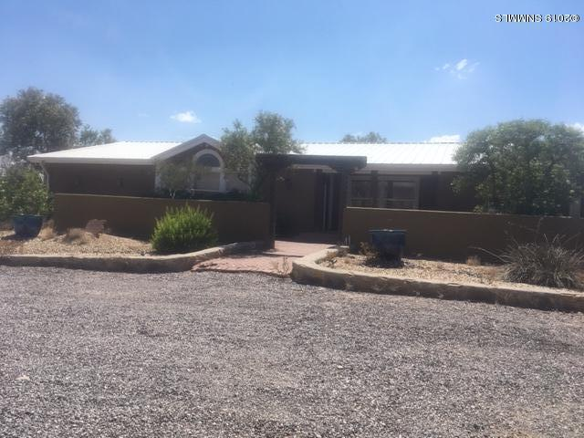 4215 Johnson Lane, Las Cruces, NM 88011 (MLS #1901618) :: Steinborn & Associates Real Estate