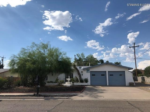 2803 Hillrise Drive, Las Cruces, NM 88011 (MLS #1901874) :: Steinborn & Associates Real Estate