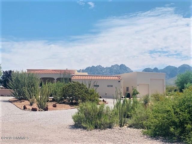 3930 Desert Broom Court, Las Cruces, NM 88011 (MLS #1902117) :: Arising Group Real Estate Associates