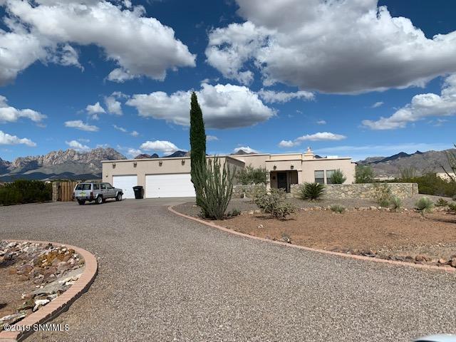 8990 Stetson Place, Las Cruces, NM 88011 (MLS #1902363) :: Steinborn & Associates Real Estate