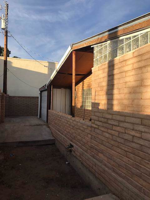 1434 S Almendra Street, Las Cruces, NM 88001 (MLS #1903416) :: Steinborn & Associates Real Estate
