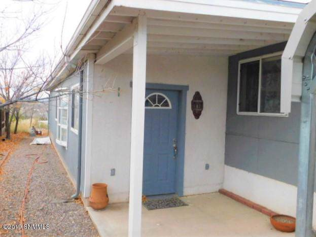 412 Oak Street, Truth Or Consequences, NM 87901 (MLS #1903417) :: Better Homes and Gardens Real Estate - Steinborn & Associates