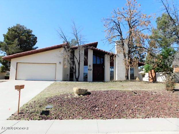 1817 Fairway Circle, Las Cruces, NM 88011 (MLS #2000816) :: Arising Group Real Estate Associates