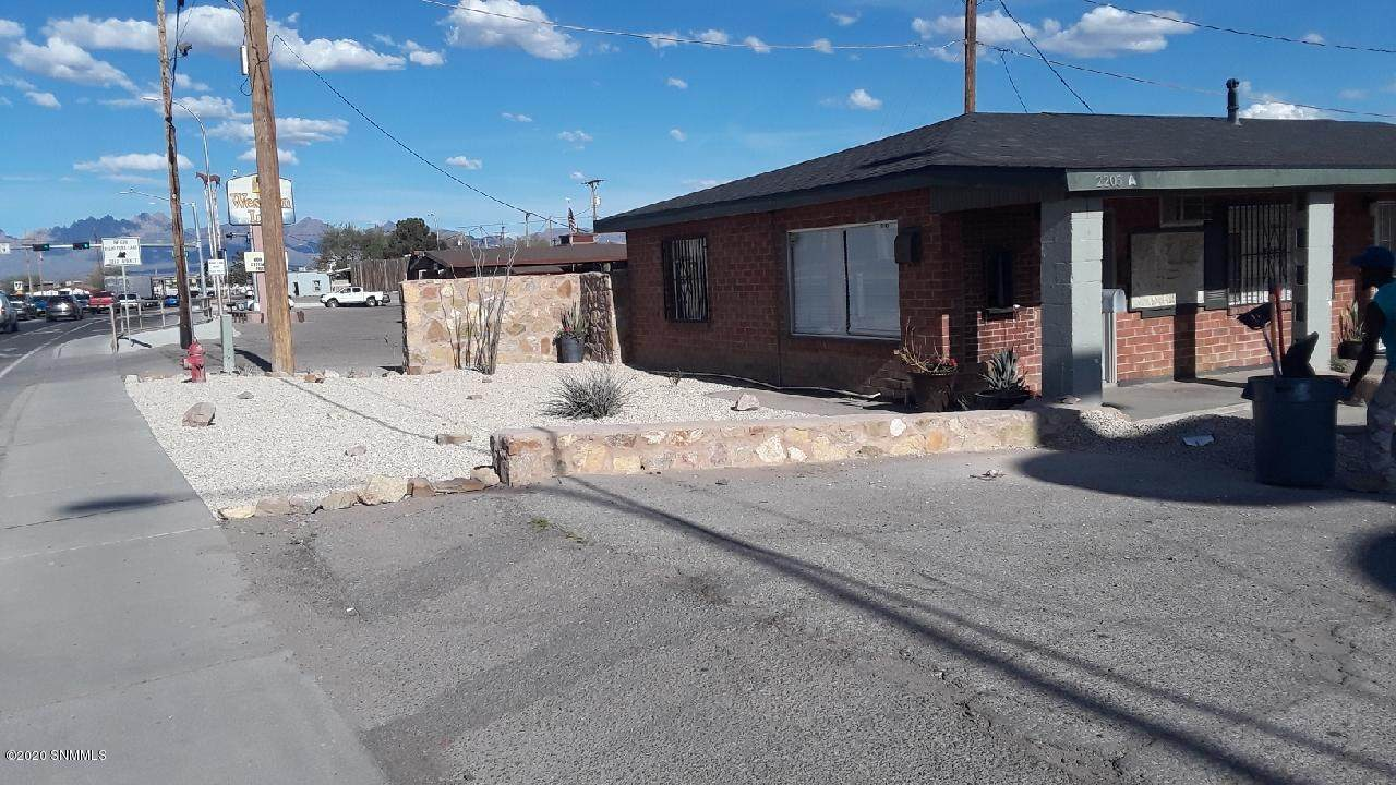 2205 Picacho Avenue - Photo 1