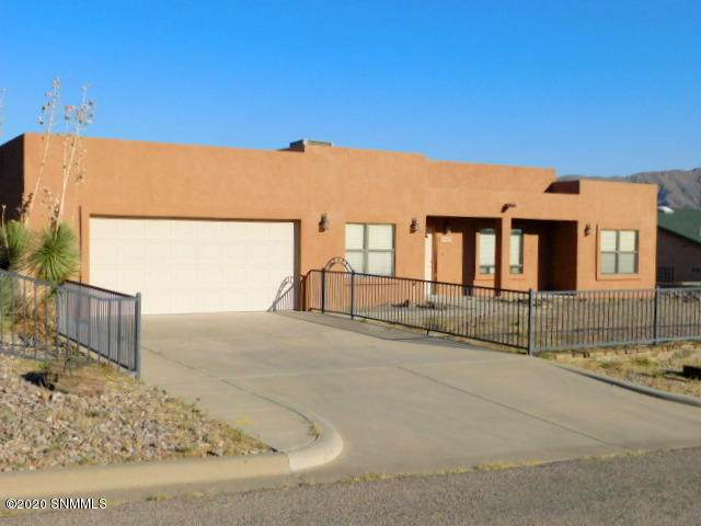 1003 Spruce Street, Truth Or Consequences, NM 87901 (MLS #2002843) :: Better Homes and Gardens Real Estate - Steinborn & Associates
