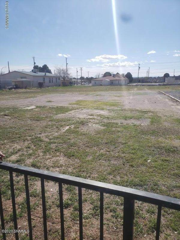 1521 N Tornillo Street, Las Cruces, NM 88001 (MLS #2002912) :: Better Homes and Gardens Real Estate - Steinborn & Associates