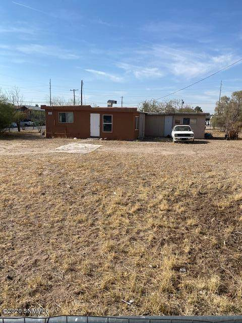 1021 Foster, Las Cruces, NM 88004 (MLS #2003272) :: Better Homes and Gardens Real Estate - Steinborn & Associates