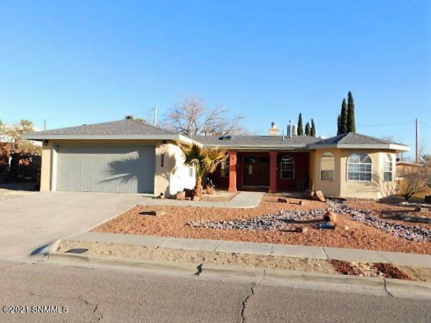 1510 Country Club Circle, Las Cruces, NM 88001 (MLS #2100620) :: Better Homes and Gardens Real Estate - Steinborn & Associates