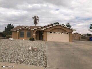 993 Rio Bravo Way, Las Cruces, NM 88007 (MLS #2101221) :: Better Homes and Gardens Real Estate - Steinborn & Associates