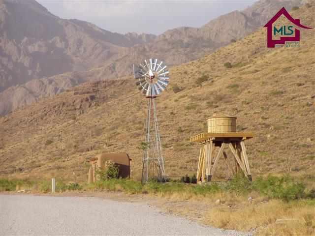 12765 Canyon De Oro, Las Cruces, NM 88011 (MLS #1300523) :: Steinborn & Associates Real Estate