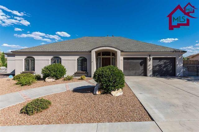3210 Arrowhead Road, Las Cruces, NM 88011 (MLS #1701938) :: Steinborn & Associates Real Estate