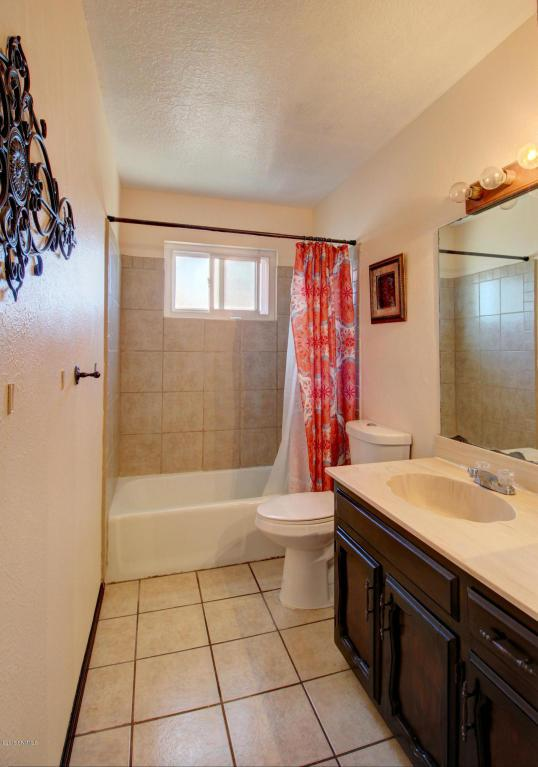 1826 Las Tunas Drive, Las Cruces, NM 88011 (MLS #1806184) :: Steinborn & Associates Real Estate