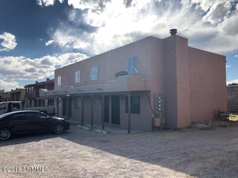 2329 Sambrano Avenue, Las Cruces, NM 88001 (MLS #1807659) :: Austin Tharp Team