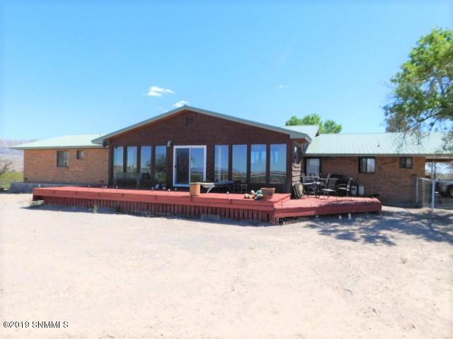 15449 Highway 187, Williamsburg, NM 87942 (MLS #1901206) :: Steinborn & Associates Real Estate