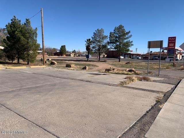 1310 N Valley Drive, Las Cruces, NM 88007 (MLS #2000366) :: Arising Group Real Estate Associates