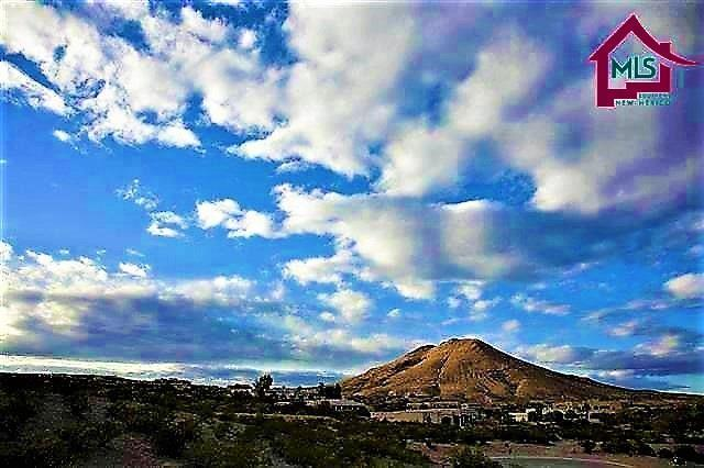8269 Degas Drive, Las Cruces, NM 88007 (MLS #1502350) :: Steinborn & Associates Real Estate