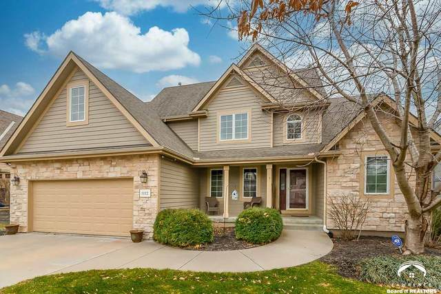 1112 Waverly, LAWRENCE, KS 66049 (MLS #153372) :: Stone & Story Real Estate Group