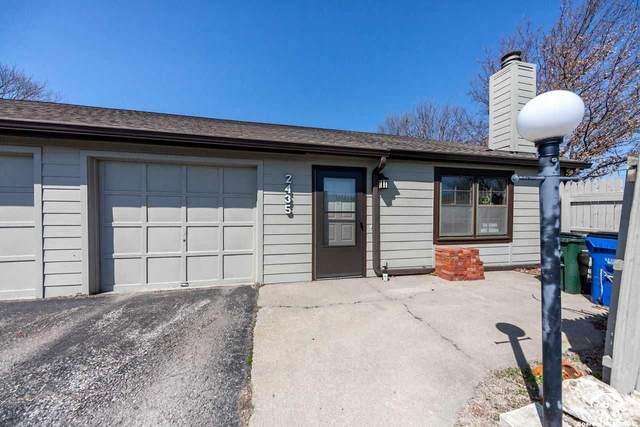 2435 Crestline, LAWRENCE, KS 66047 (MLS #153600) :: Stone & Story Real Estate Group