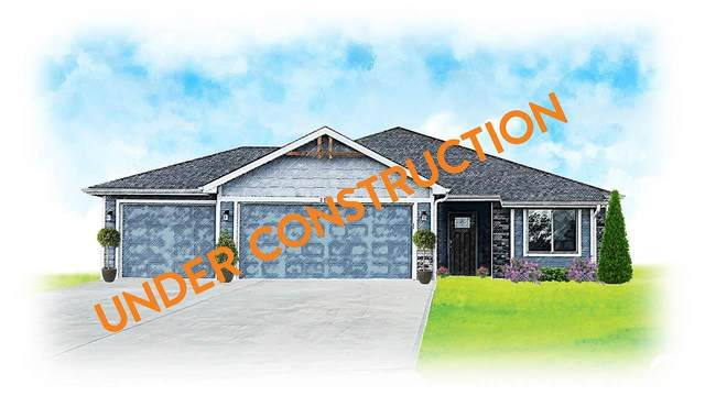 2532 E 26th, LAWRENCE, KS 66046 (MLS #153642) :: Stone & Story Real Estate Group
