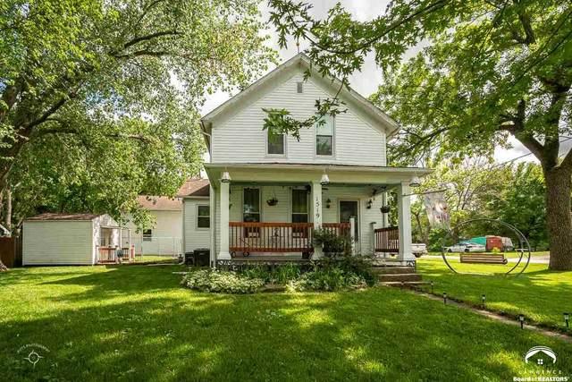 1519 College, BALDWIN CITY, KS 66006 (MLS #153676) :: Stone & Story Real Estate Group