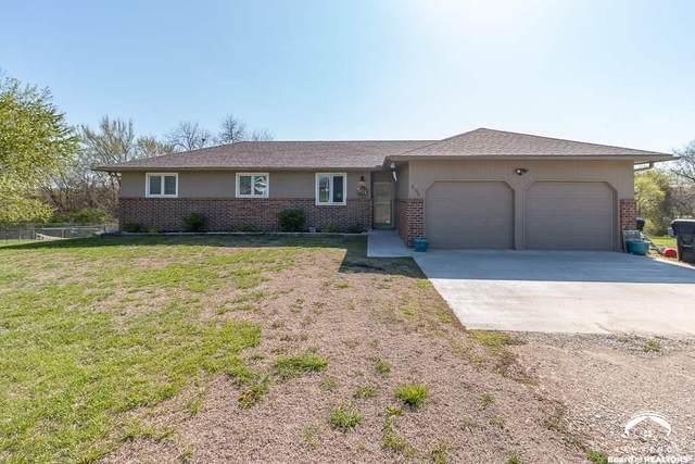 3150 SE Stubbs, TECUMSEH, KS 66542 (MLS #153708) :: Stone & Story Real Estate Group