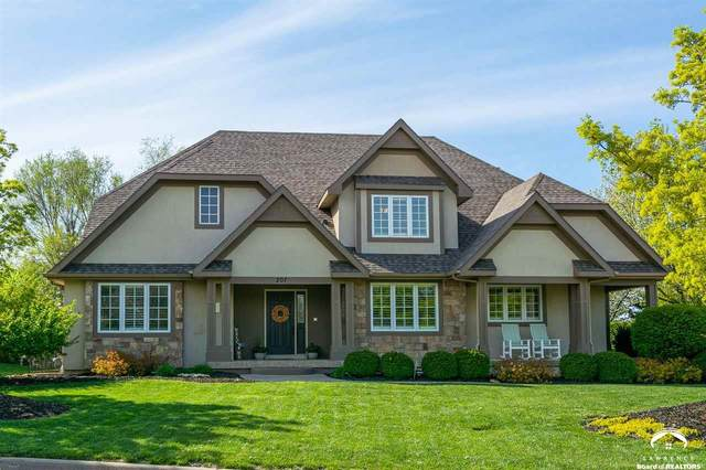 207 Earhart, LAWRENCE, KS 66049 (MLS #153709) :: Stone & Story Real Estate Group
