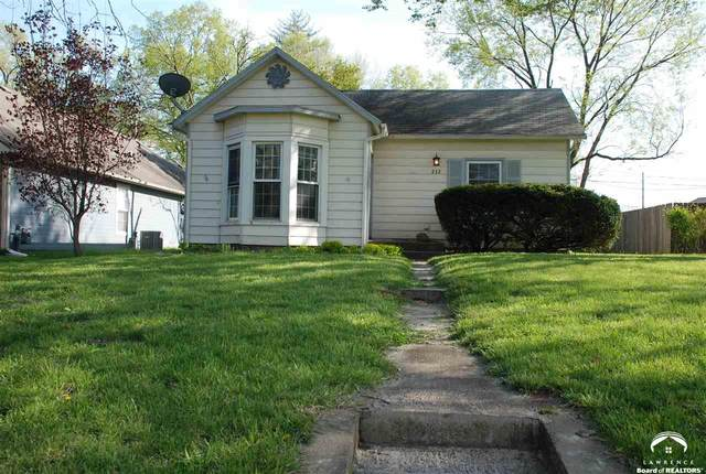 232 Perry, LAWRENCE, KS 66044 (MLS #153778) :: Stone & Story Real Estate Group
