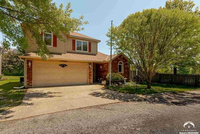 2916 Meadow, LAWRENCE, KS 66047 (MLS #154012) :: Stone & Story Real Estate Group