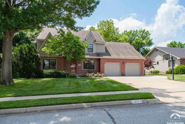 4709 Turnberry, LAWRENCE, KS 66047 (MLS #154454) :: Stone & Story Real Estate Group