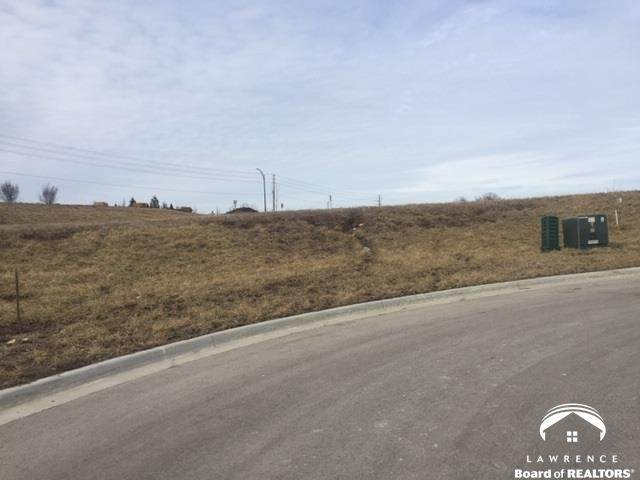 307 Three Forks, LAWRENCE, KS 66049 (MLS #142557) :: Stone & Story Real Estate Group