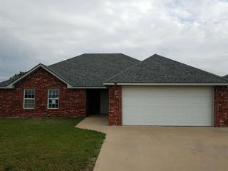 611 NW Elm, Cache, OK 73527 (MLS #147749) :: Pam & Barry's Team - RE/MAX Professionals