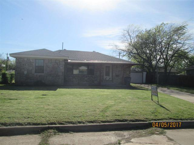 1612 NW 24th St, Lawton, OK 73501 (MLS #147405) :: Pam & Barry's Team - RE/MAX Professionals
